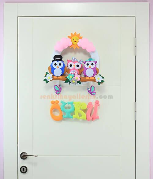 Öykü isimli Baykuş Ailesi Kız Bebek Odası Kapı Süsü