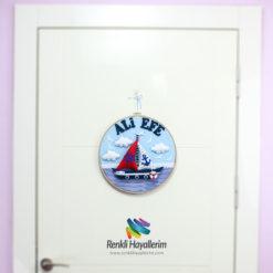 Ali Efe isimli Denizci Kasnak Bebek Kapı Süsü Kapı Görünümü
