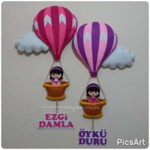 ikiz kız kardeş balonlu kapı süsü