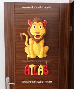 Atlas isimli aslan kapı süsü