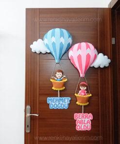 Mehmet Bera isimli balonlu bebek kapı süsü