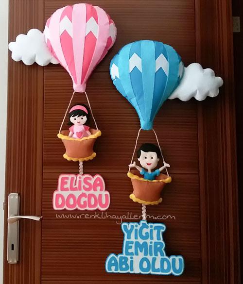Elisa - Yiğit - Emir isimli balonlu bebek kapı süsü