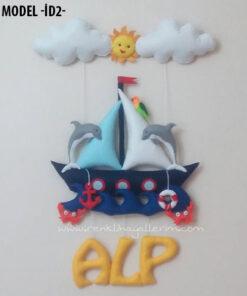 Alp dolgulu isimli bebek denizci kapı süsü