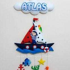 Atlas bebek isimli denizci kapı süsü
