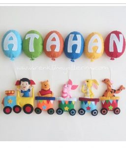 Atahan isimli bebek kapı süsü trenli
