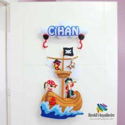 Cihan isimli korsan bebek odası kapı süsü