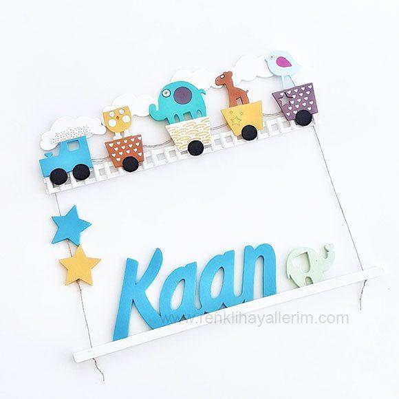 Kaan isimli ahşap tren bebek kapı süsü