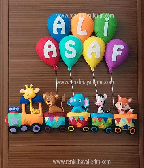 Ali Asaf isimli trenli erkek bebek kapı süsü