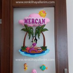 Mercan isimli deniz kızı bebek kapı süsü