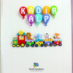 Trenli Bebek Kapı Süsü - Kadir Alp