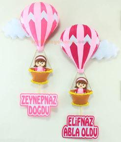 Zeynep Naz ve Elif Naz Kardeş Balonlu Pembe Bebek Kapı Süsü