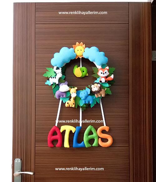 Atlas isimli bebek kapı süsü safari