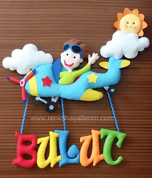 Bulut isimli bebek kapı süsü pilot uçak