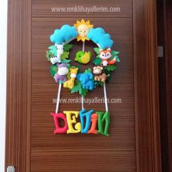 Devin isimli safari erkek bebek kapı süsü
