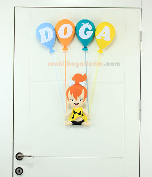 Doğa isimli çakıl kız bebek balonlu kapı süsü