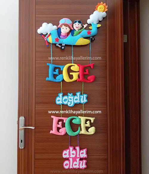 Ege Ece isimli kardeş bebek kapı süsü