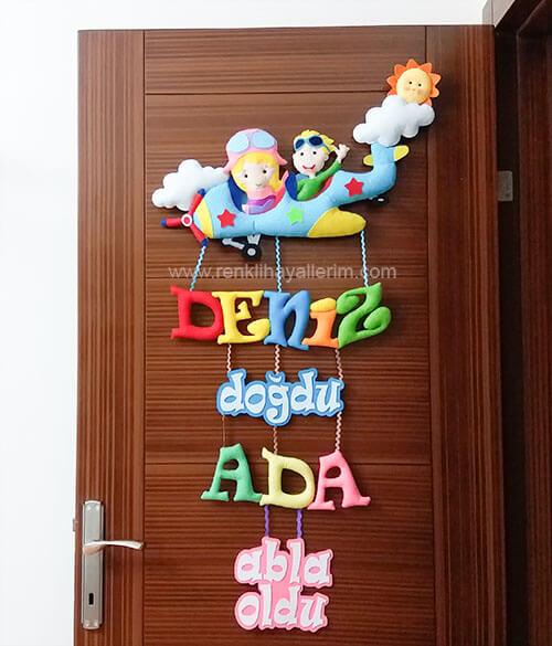 Erkek - Kız Kardeş Pilot Bebek Kapı Süsü - Kardeşler için pilot bebek kapı süsü modelleri