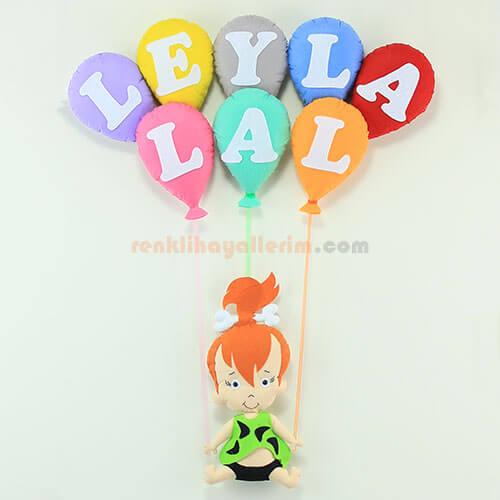 Leyla Lal isimli çakıl kız bebek balonlu kapı süsü