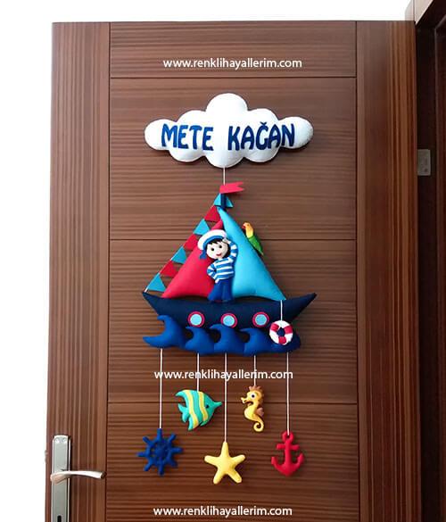 Mete Kağan isimli denizci bebek kapı süsü keçe