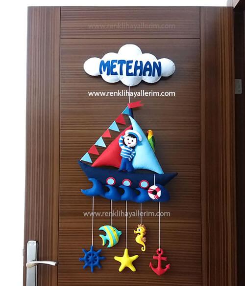Metehan isimli denizci bebek kapı süsü