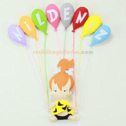 Nildeniz isimli çakıl kız bebek balonlu kapı süsü