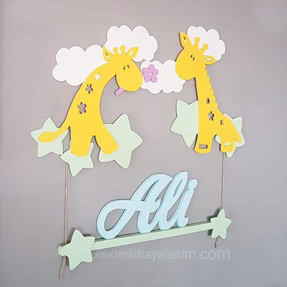 Ali Zürafa Temalı Ahşap Bebek Kapı Süsü
