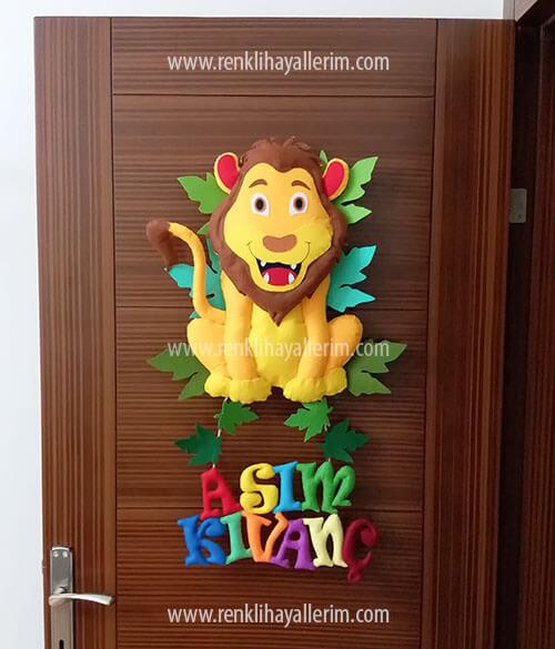 Aslan Kral Kapı Süsü Asım Kıvanç isimli bebek kapı süsü