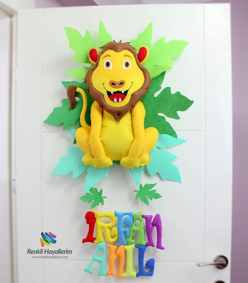 Aslan Kral Bebek Kapı Süsü