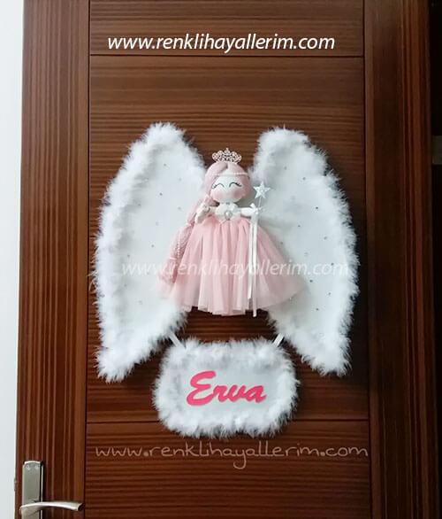 Erva isimli melek kanatlı kız bebek kapı süsü