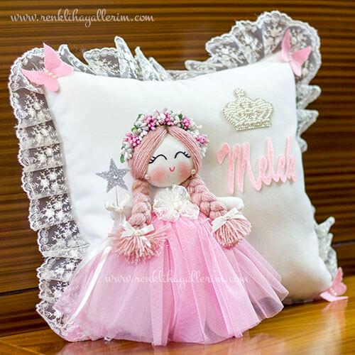 Frezya melek kız bebek takı ve süs yastığı 3