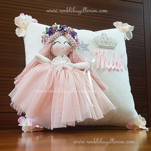 Gardenya melek kız bebek takı ve süs yastığı 2