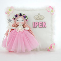 ipek isimli sardunya melek kız bebek takı ve süs yastığı