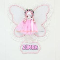 Zümra isimli melek kanatlı kız bebek kapı süsü frezya