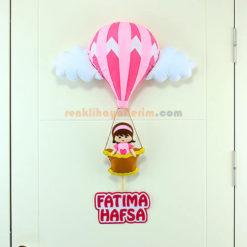 Fatıma isimli Pembe Balonlu bebek kapı Süsü Kapı