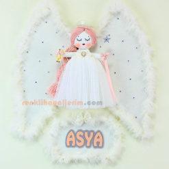 Asya isimli Karanfil Melek Kanatlı Kız Bebek Kapı Süsü