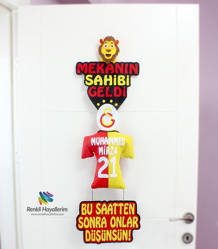 Mekanın Sahibi Geldi Galatasaray Bebek Kapı Süsü